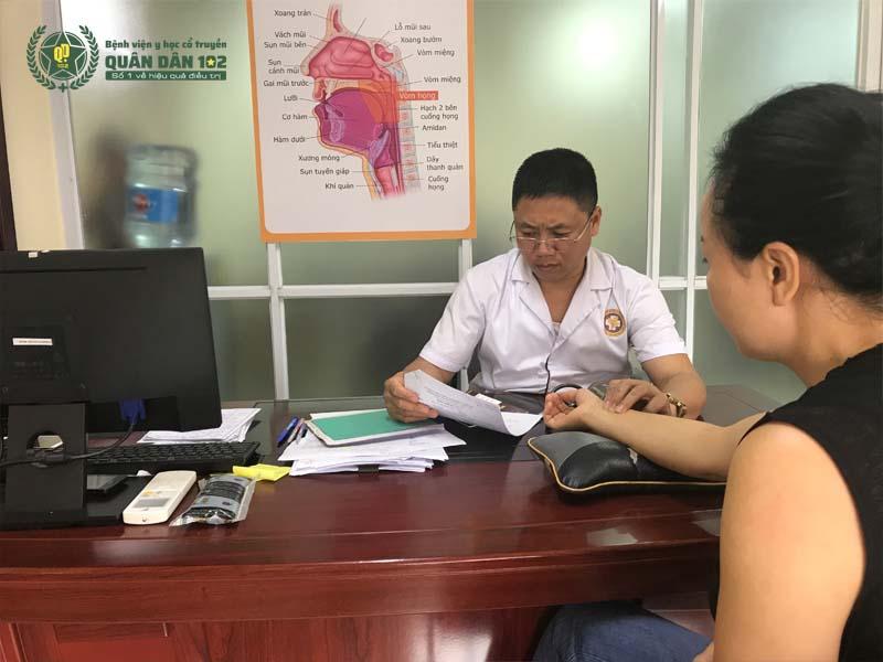 Bác sĩ khám ngoài giờ hỗ trợ bệnh nhân tối đa