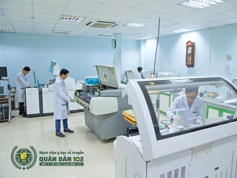 Khu xét nghiệm bệnh viện