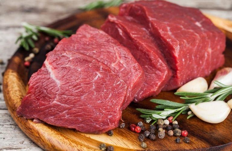 Bệnh nhân lạc nội mạc tử cung không nên ăn thịt đỏ