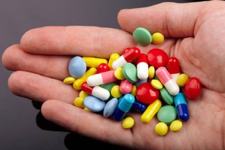 Dùng thuốc Tây sẽ giúp giảm nhanh các triệu chứng của bệnh