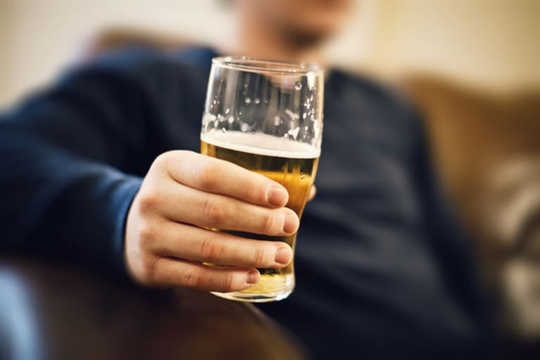Hạn chế sử dụng rượu bia, chất kích thích