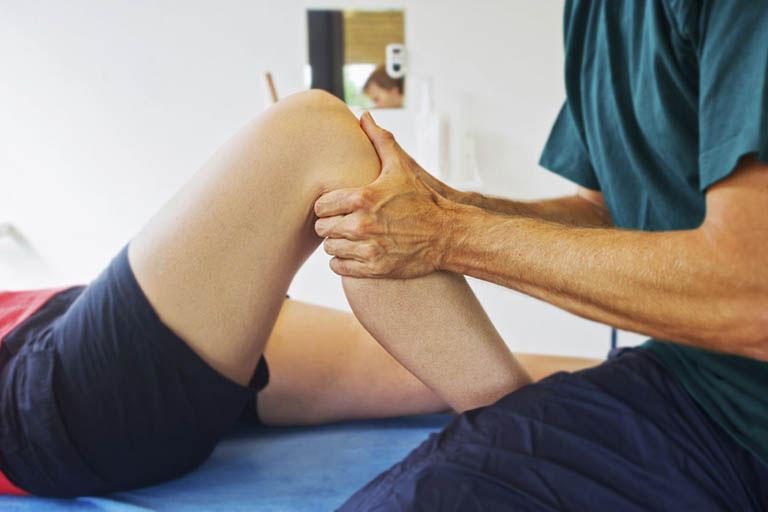 Áp dụng các biện pháp vật lý trị liệu trong quá trình chữa trị