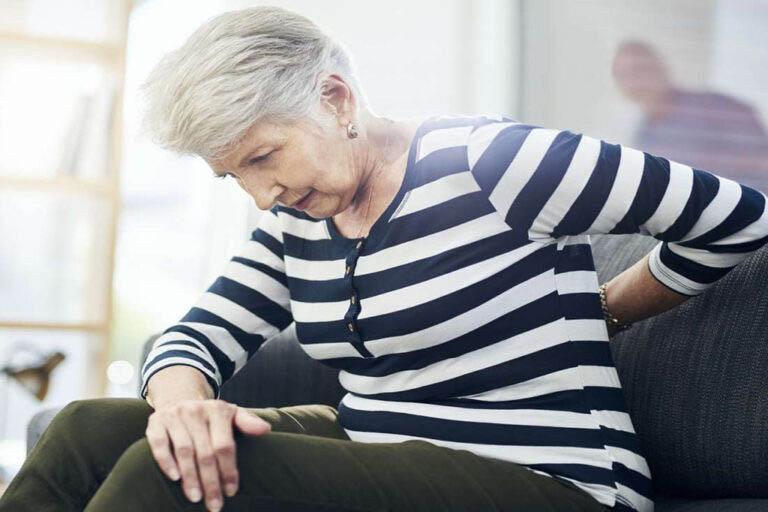 Đau nhức xương khớp là triệu chứng điển hình