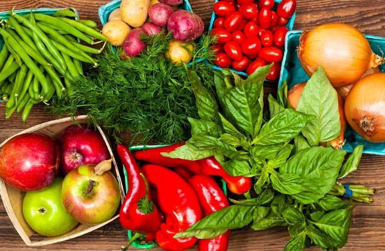 Các loại rau củ quả là thực phẩm dồi dào chất xơ và vitamin