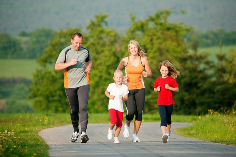 Tập thể thao hàng ngày ngăn ngừa bệnh xương khớp