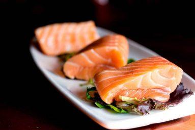 Viêm đau khớp nên ăn gì, kiêng gì? Nên ăn thực phẩm giàu omega-3