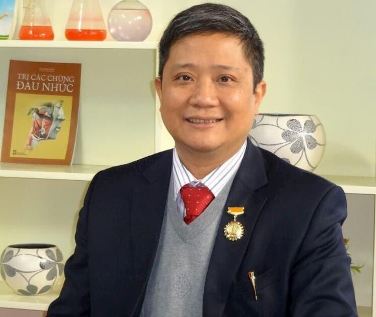 Bác sĩ cơ xương khớp giỏi Nguyễn Vĩnh Ngọc