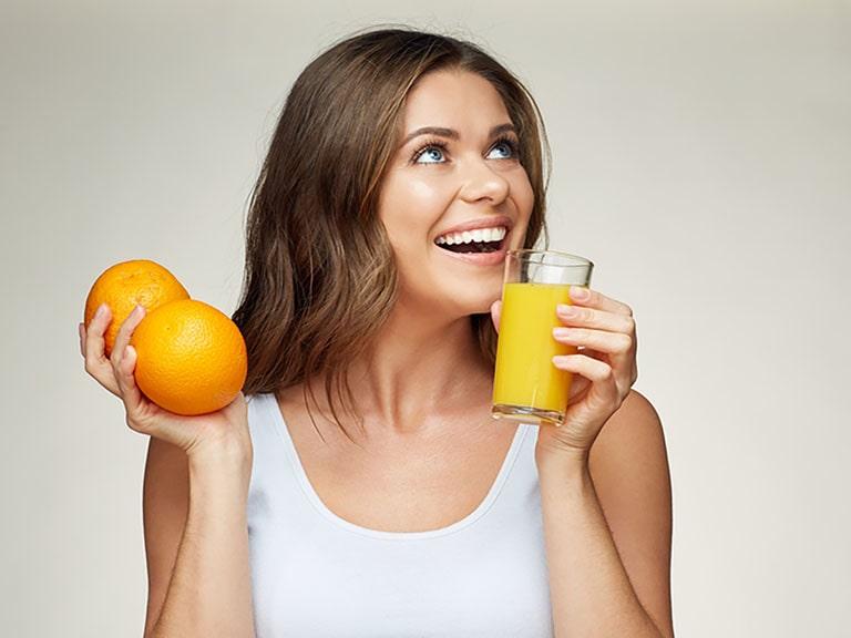 Bị sỏi thận uống nước cam được không?