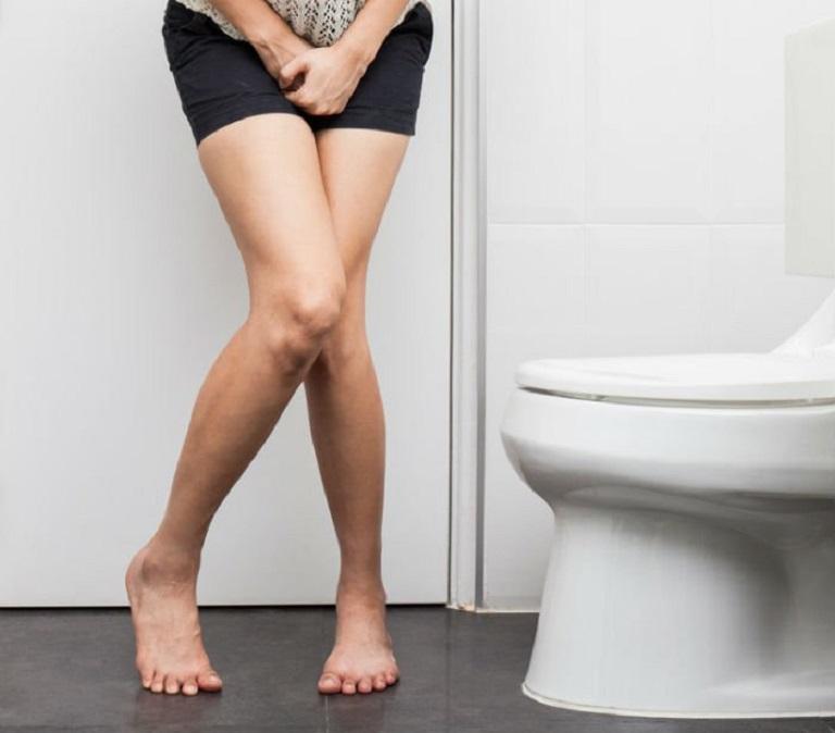 Rò nước tiểu là biến chứng sau mổ sỏi thận gây ảnh hưởng đến chất lượng cuộc sống