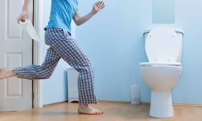 Cách trị tiểu rắt tại nhà là vấn đề được nhiều người quan tâm (ảnh minh họa)