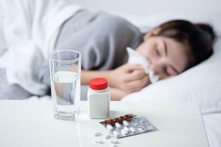 Trước khi nội soi, bệnh nhân có thể được chỉ định dùng thuốc kháng sinh