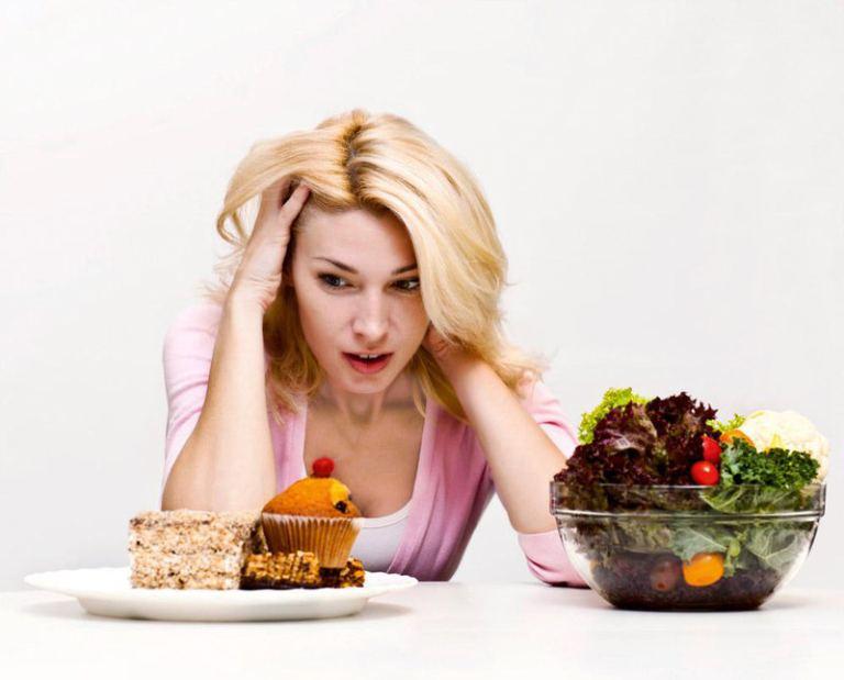Người bị tiểu rắt nên có chế độ ăn uống khoa học