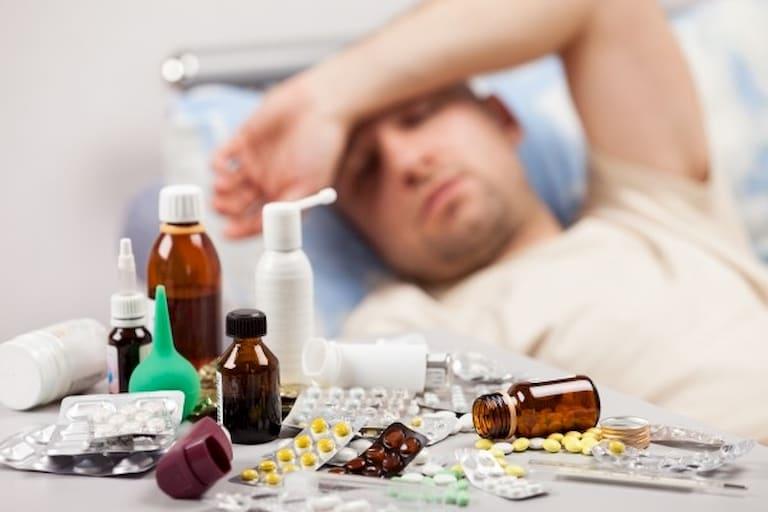 Tình trạng này có thể do người bệnh sử dụng thuốc điều trị viêm khớp kéo dài