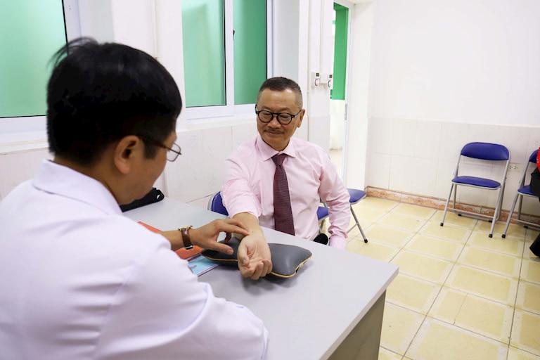 NSƯT kiểm tra lại sức khỏe tại Quân Dân 102