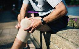 Đau đầu gối khi xuống cầu thang là bệnh gì? Biện pháp khắc phục