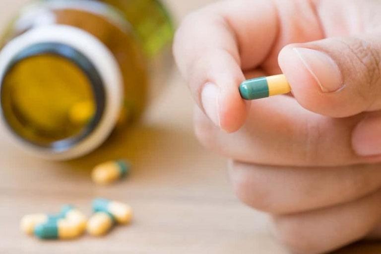 Thuốc uống được chỉ định khi tổn thương trên da nghiêm trọng