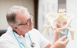 Điều trị viêm khớp háng: Cập nhật các biện pháp hiệu quả nhất