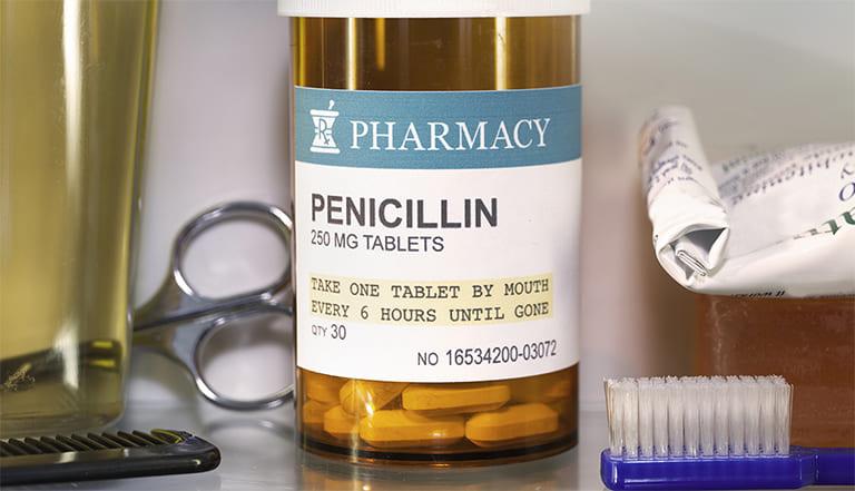 Thuốc kháng sinh điều trị viêm da tiếp xúc Penicillin