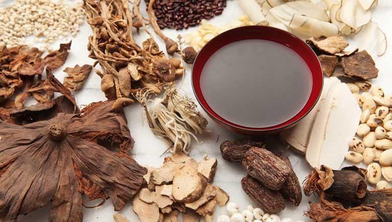 Phương pháp dùng thuốc Đông y chữa viêm amidan được nhiều người tin tưởng lựa chọn