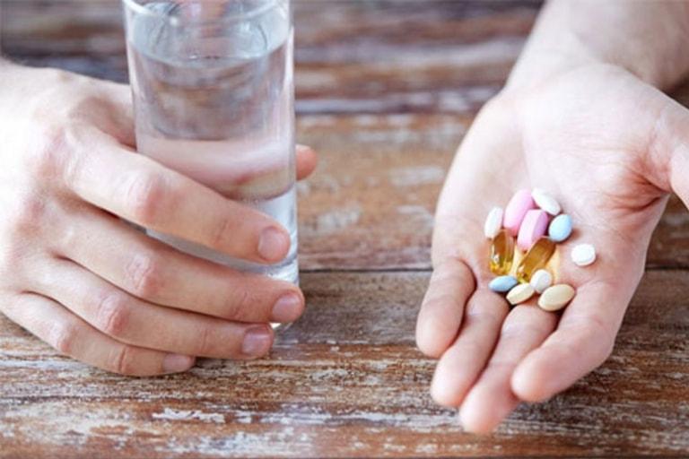 Thuốc Tây thường giúp giảm nhanh các triệu chứng bệnh