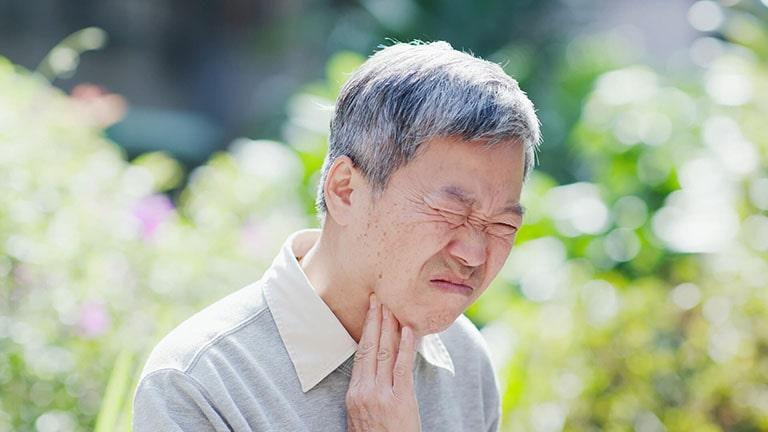 Triệu chứng viêm amidan có nổi hạch khá dễ dàng nhận biết