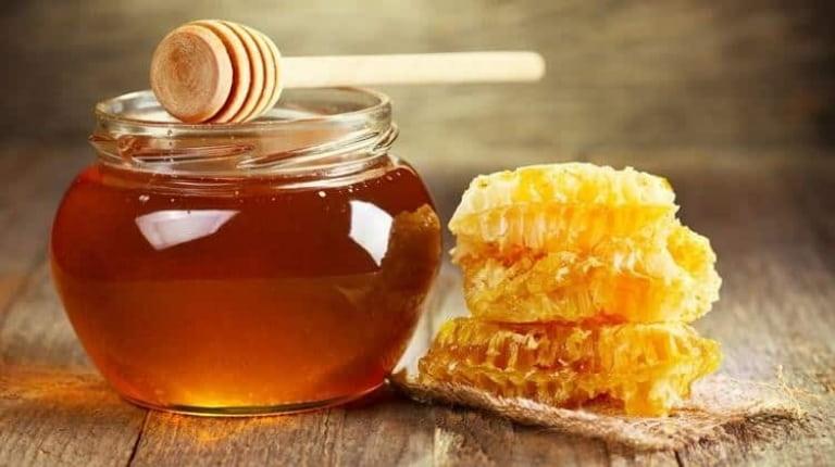 Mẹo dân gian sử dụng mật ong chữa viêm amidan rất phổ biến
