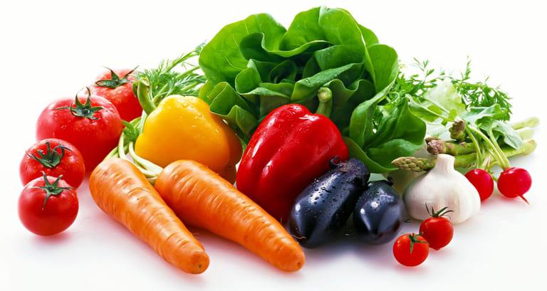 Trong thực đơn cho người viêm da mủ nên bổ sung các loại rau, củ, quả chứa nhiều vitamin