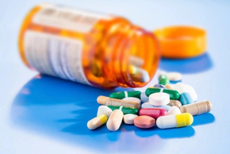 Thuốc Tây chỉ được sử dụng dưới sự hướng dẫn của bác sĩ, dược sĩ