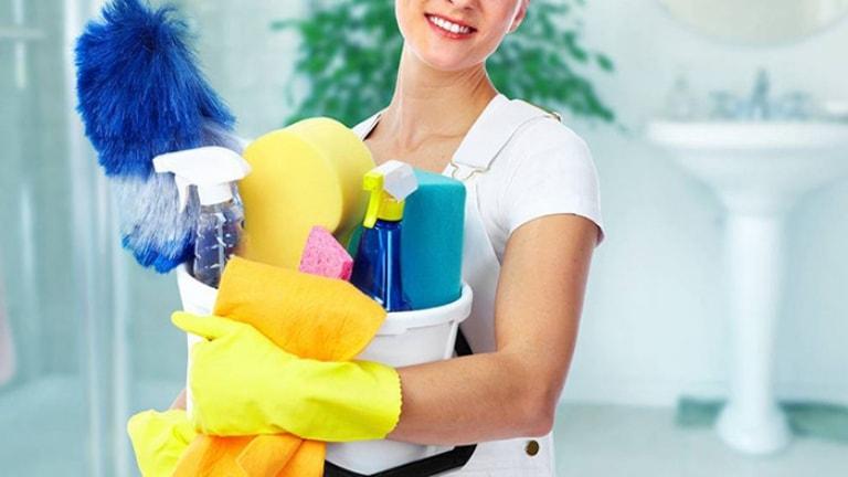 Tiếp xúc với các loại hoá chất, chất tẩy rửa người bệnh cần sử dụng dụng cụ bảo hộ