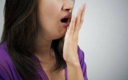 """Tại sao viêm họng hạt gây hôi miệng? Biện pháp """"đánh bay"""" mùi hôi"""