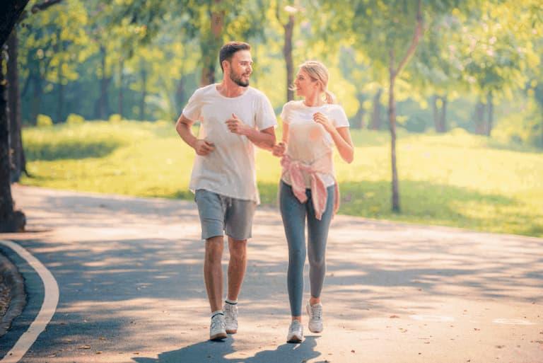 Thời gian đi bộ được điều chỉnh tùy theo khả năng của người bệnh