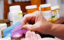 Đau khớp khuỷu tay uống thuốc gì? Top 11 loại thuốc hiệu quả nhất
