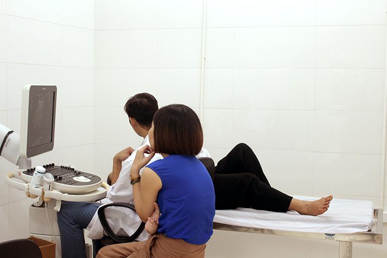 Bệnh nhân được chỉ định siêu âm ổ bụng tại Trung tâm Phụ Khoa Đông y