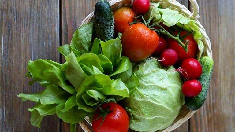 Người bệnh nên tăng cường bổ sung các loại rau xanh