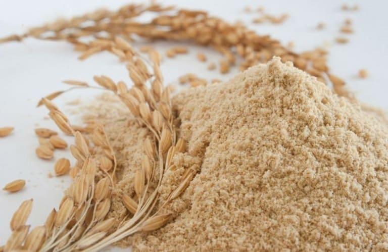Dùng cám gạo làm mặt nạ dưỡng trắng da, tẩy da chết và loại bỏ dầu nhờn trên mặt