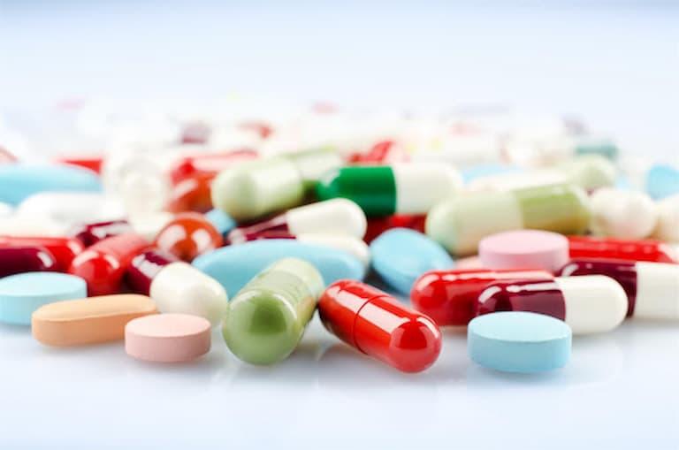 Điều trị bảo tồn bằng thuốc uống được sử dụng phổ biến với bệnh ống sống hẹp