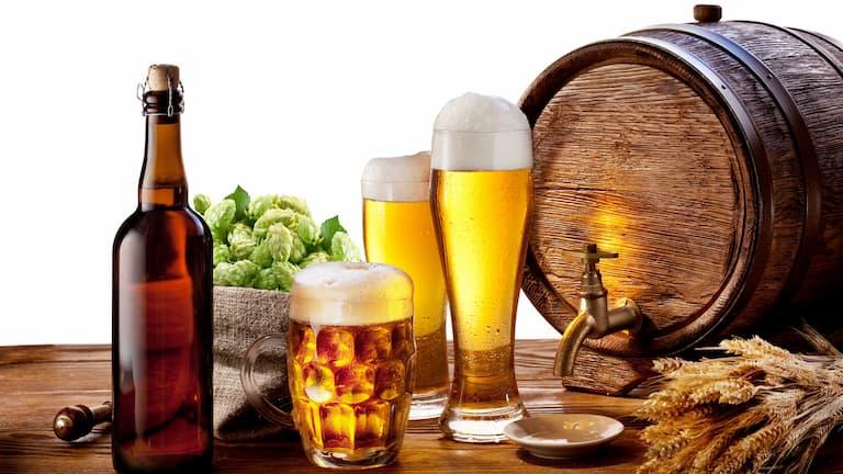 Người bệnh không nên sử dụng các đồ uống chứa cồn như bia và rượu