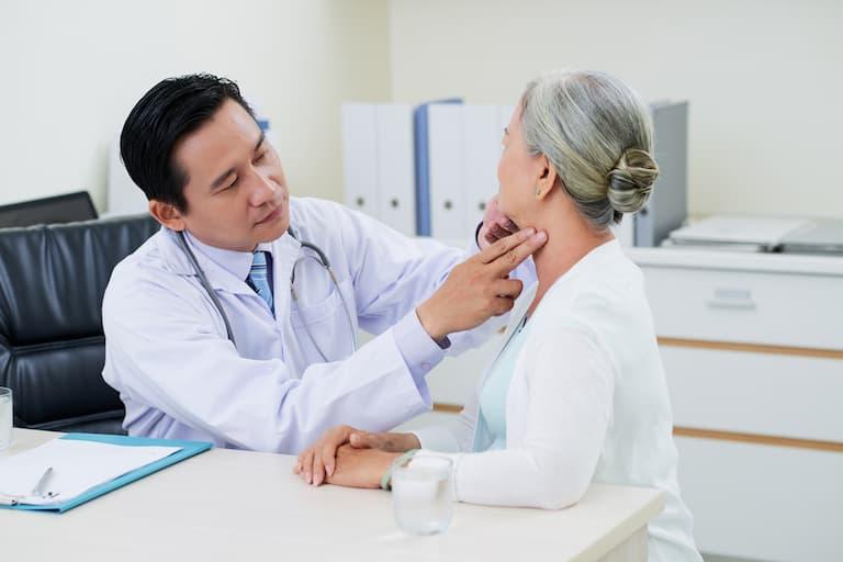 Mọi người nên đi khám sức khỏe định kỳ để phòng tránh bệnh một cách hiệu quả nhất
