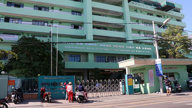 Khám và điều trị tiểu buốt tại khoa Tiết niệu - Bệnh viện Đà Nẵng