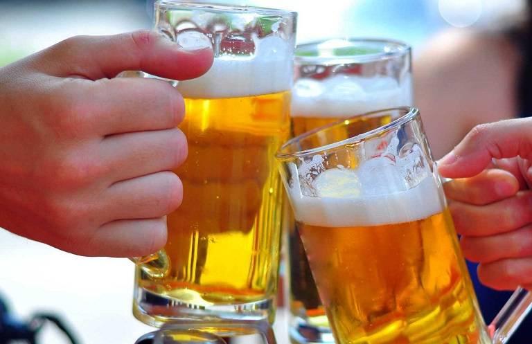 Người bệnh cần hạn chế sử dụng rượu, bia