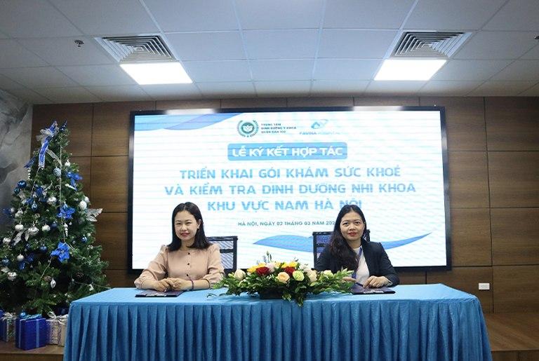 Đại diện Trung tâm Dinh dưỡng và Bệnh viện Favina tham gia ký kết hợp tác