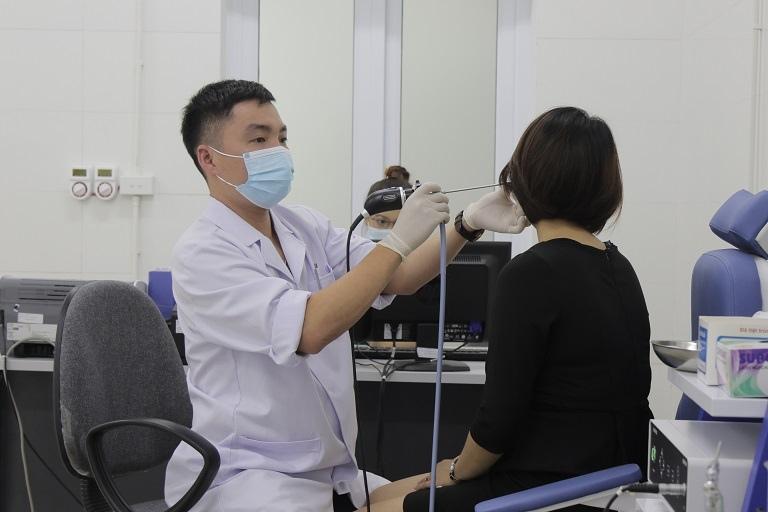 Quý khách được thăm khám, kiểm tra sức khỏe bằng hệ thống máy móc hiện đại
