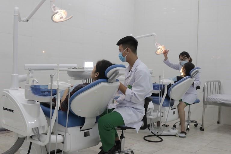 Các bác sĩ có chuyên môn cao, giàu kinh nghiệm, sử dụng tốt các loại máy móc, thiết bị