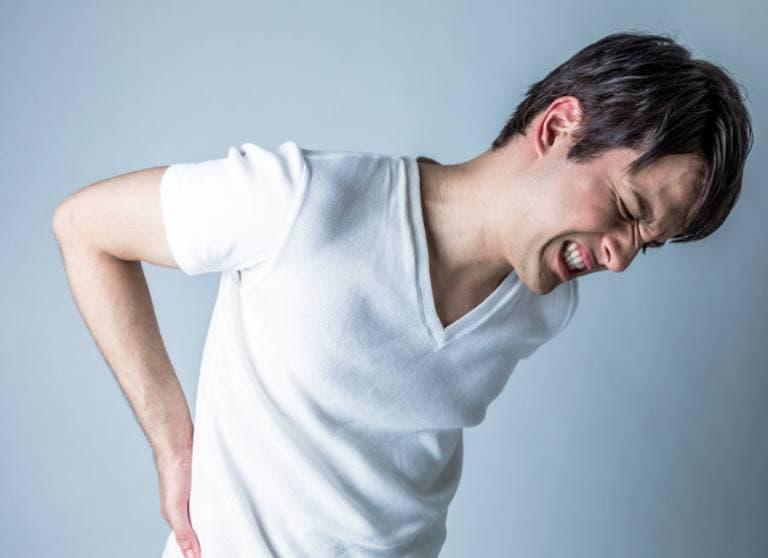 """Người bệnh có thể bị những cơn đau nhức khó chịu """"tấn công"""""""