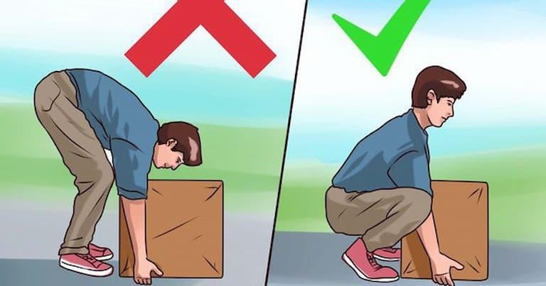 Mọi người cần chú ý khi mang vác vật nặng