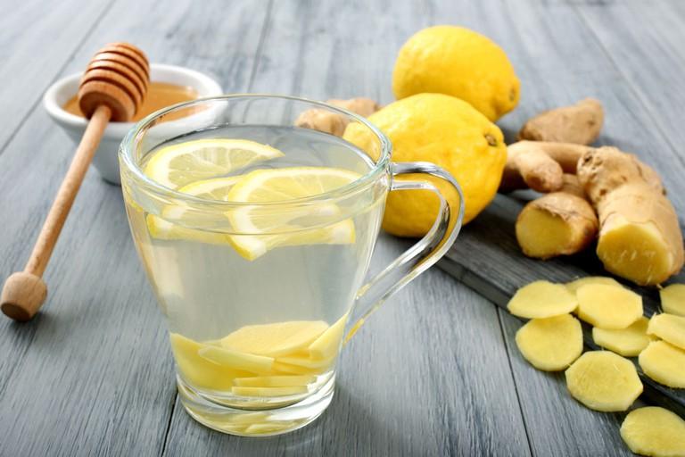 Nước chanh ấm hỗ trợ điều trị viêm amidan ở trẻ em