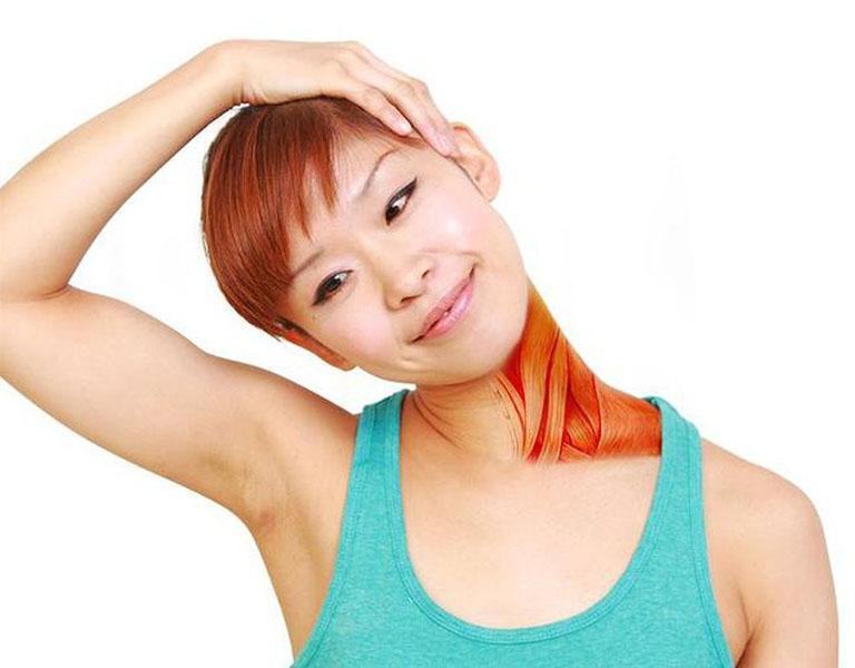 Bài tập thoát vị đĩa đệm cổ thả lỏng cơ cổ