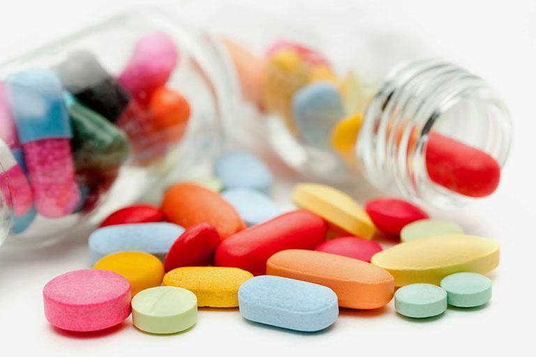 Một số thuốc Tây giúp chữa thoát vị đĩa đệm cột sống cổ