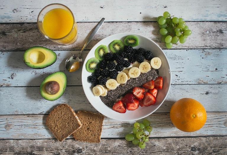 Chế độ dinh dưỡng hợp lý giúp cải thiện đau nhức