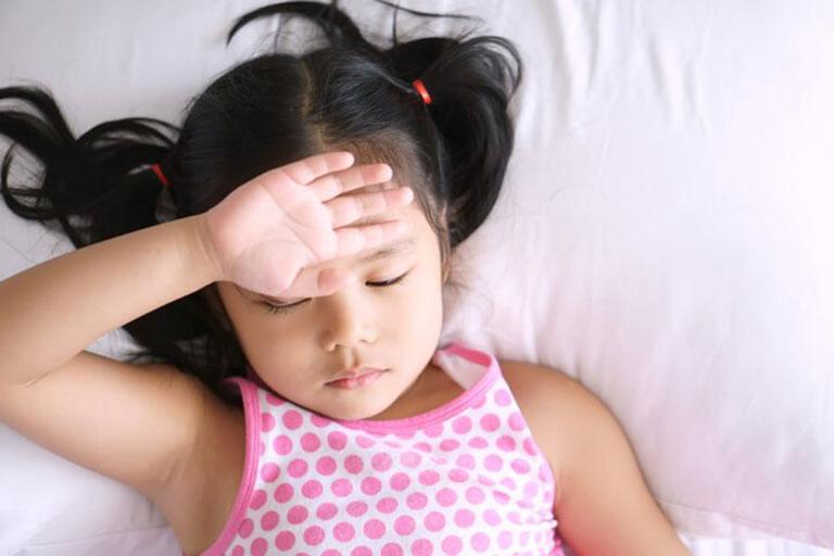 Bị viêm amidan có thể khiến bé mệt mỏi khó chịu